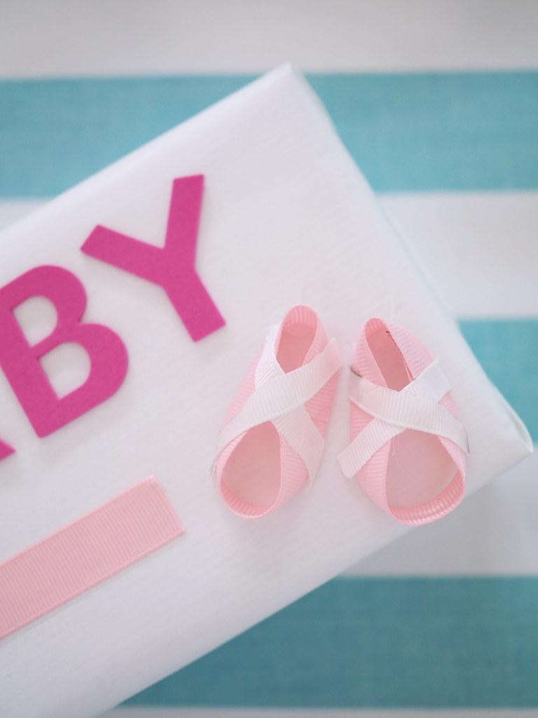baby shower paketin koristelu