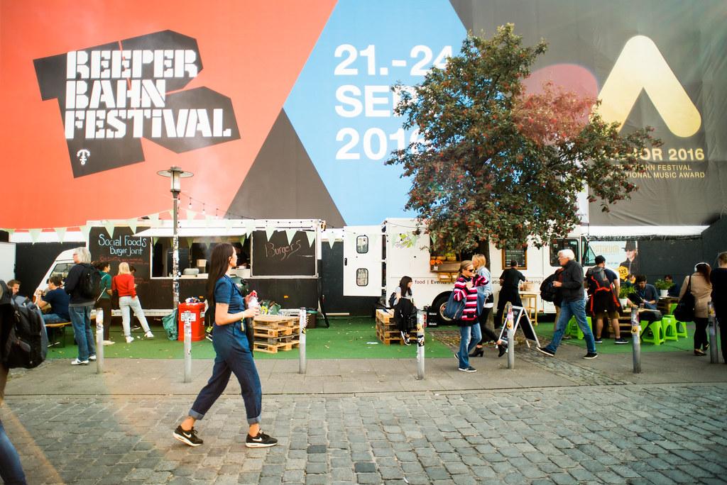 Lena Meyer_Atmo_Spielbudenplatz_klein-6