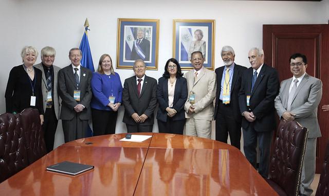 Reunión con Miembros del Consejo Internacional para la Ciencia-ICSU.