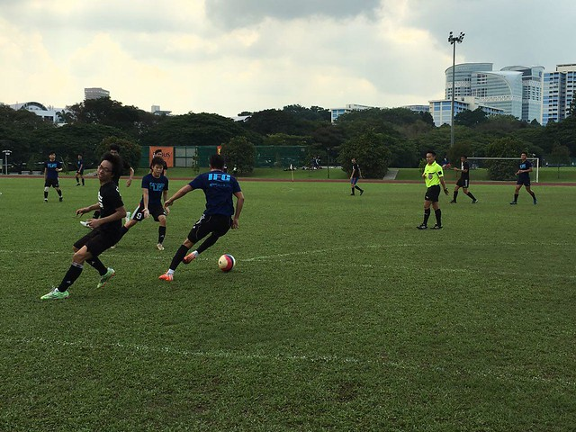 Nick (Y2) sending his opponent back to Kent Ridge MRT with a clever change of pace.