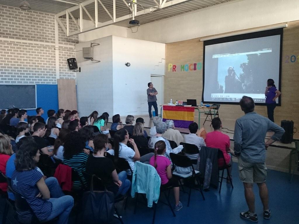 """Fotografies de la Xerrada """"Neus Català, Memòria i LLuita"""""""