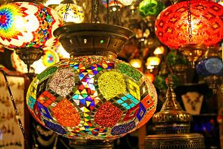 Colorful turkish lamps, Istanbul, Turkey イスタンブール、カラフルなトルコのランプ