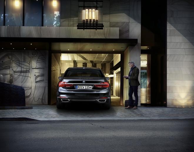 [新聞照片一]BMW遙控停車功能