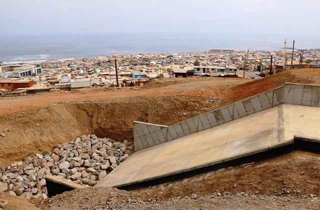 obras mitigación de aluviones en el acceso a la Quebrada Huella Tres Puntas, en Tocopilla, Región de Antofagasta (1).