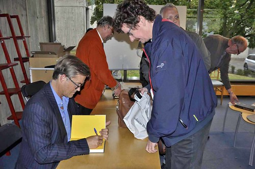 Lars Stjernkvist köper boken