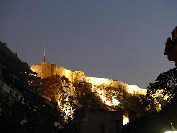 l'acropole de nuit le premier soir