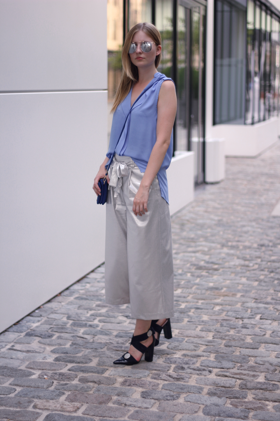 outfit culottes silber zara top bluse hellblau river island schultertasche blau urban outfitters