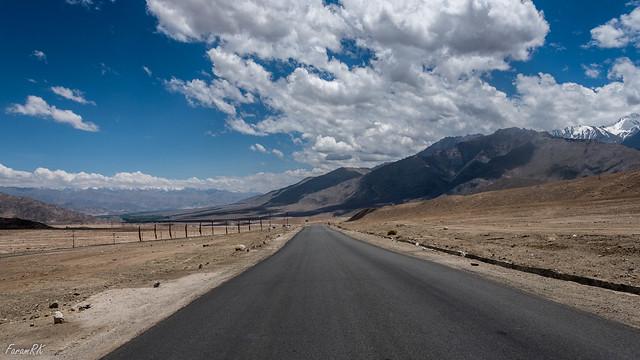 Heading SE towards Leh. Choglamsar in the distance