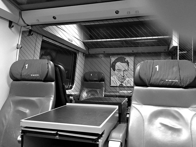 Train 1st class to Zuerich