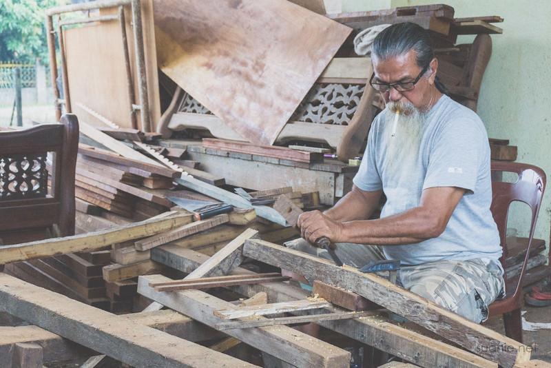 Sungai Lembing, Pahang - wood carver