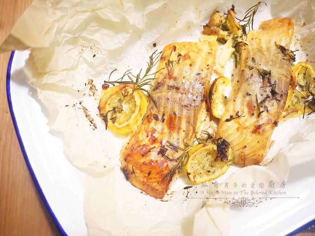 孤身廚房-烤鮭魚排佐香料烤南瓜及蒜香皇宮菜17