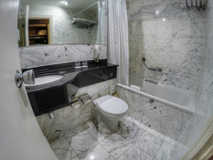Bathroom Hotel Ibis