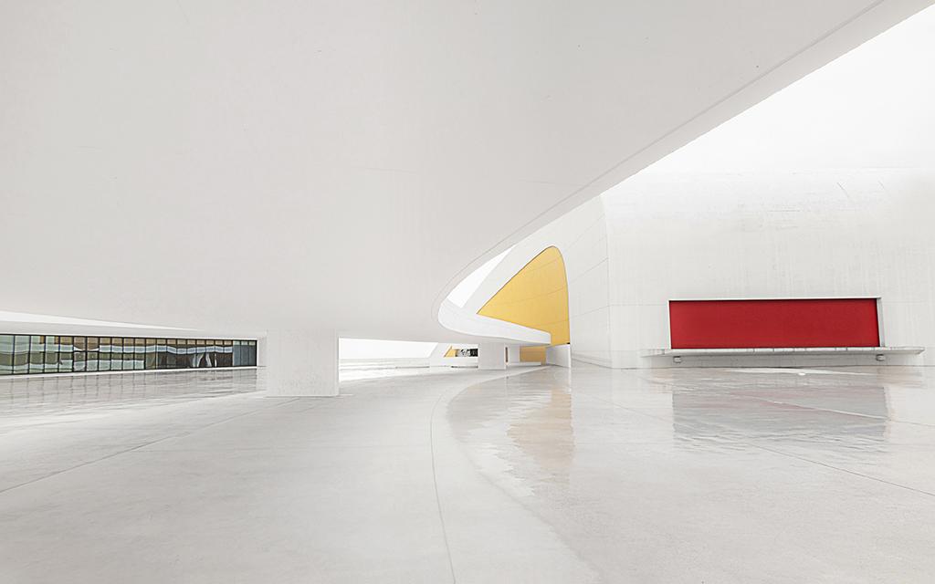 AR09 AR32 zuribeltza (España) - Formas en el Niemeyer - Tomada en Centro Cultural Oscar Niemeyer Avilés Asturias el 020414