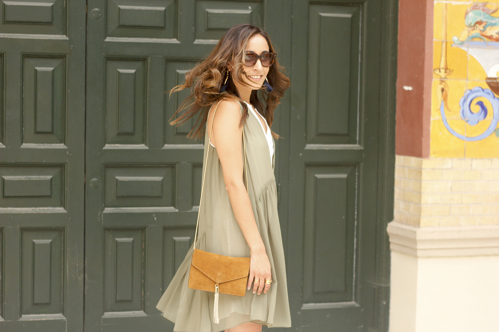 Olive green maje dress bronze heels uterqüe bag Mango earrings summer outfit15