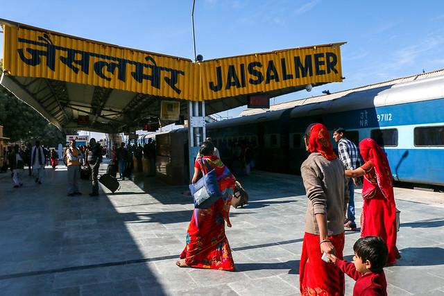 Just arrived at Jaisalmer railway station, India ジャイサルメール駅に到着