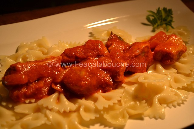 Porc à la Tomate  &  Farfale  © Ana Luthi Tous droits réservés 02