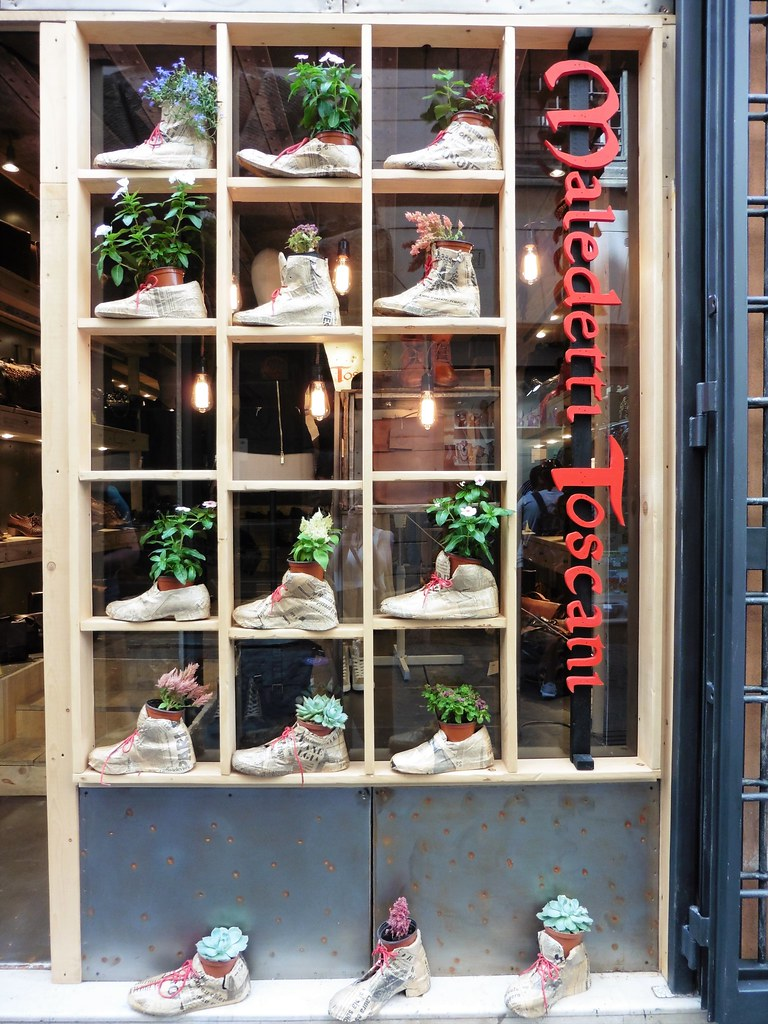 Roma Shoe Store