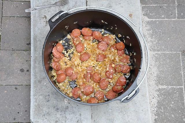 Chorizo brutzelt
