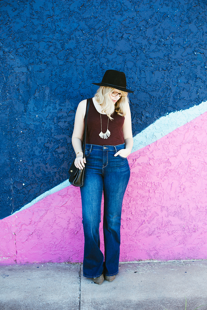 flare jeans black hat2