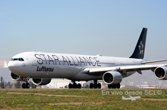 Lufthansa A340-600 Star Alliance (A.Ruiz)