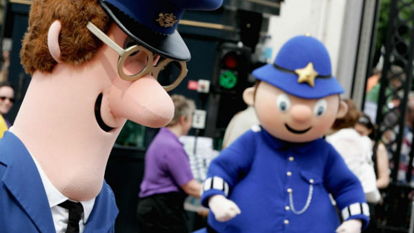 Ken Barrie: Postman Pat voice actor dies