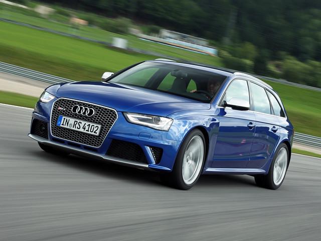 Спортивный универсал Audi RS4 B8 Avant. 2012 - наше время