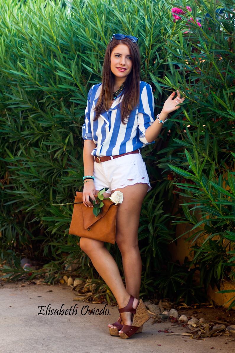 shorts zara clutch pull and bear camisa marinera azul y blanca blusa cuñas marrones marypaz gafas sol tommy hilfiger (1)