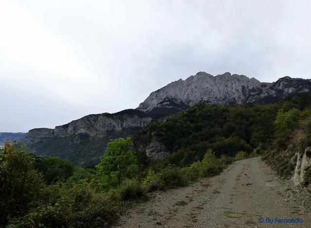 Saldes, Gresolet, Saldes -01- Camí del Gresolet al Collell -01- Cingles de la Moronta y Pedraforca, Cara Norte -01-