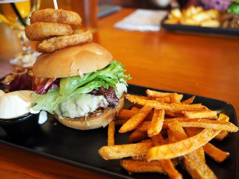 chico'c burger helsinki
