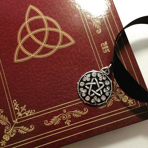Last accessories for #yennefer  #triquetra #pentagram #grimoire #cosplayaccessories #yennefercosplay #thewitcher