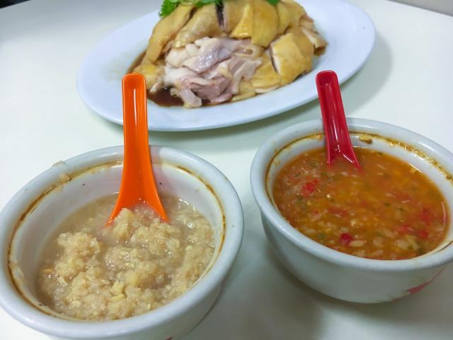 loke-yun-chicken-rice-sauce