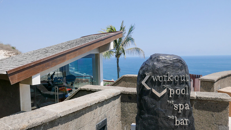28234543511 ca3b968efd c - REVIEW - The Edge, Uluwatu (Bali)