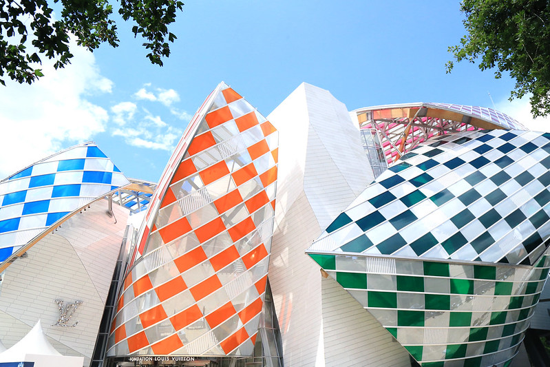 fondation vuitton daniel buren