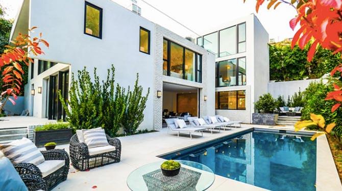 Дом с бассейном в Лос-Анджелесе модели Кендалл Дженнер