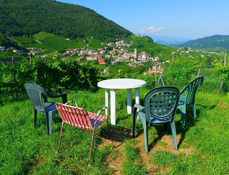 Outdoor dining with a view in Italy's Prosecco Hills