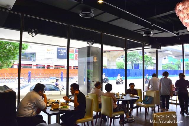 28348057975 a010fc0ee4 z - 【熱血採訪】[台中]香港阿杜婚宴會館--個人套餐新推出,想吃港式烤鴨,不必呼朋引伴囉!@文心路