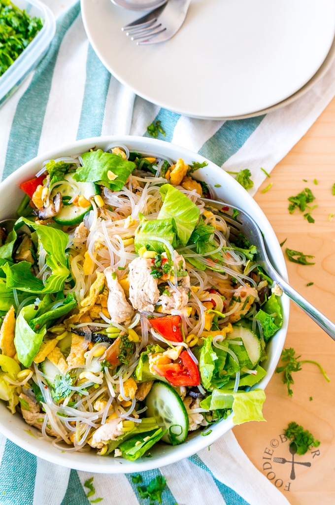 Thai Glass Noodle Salad (Yum Woon Sen ยำวุ้นเส้น)