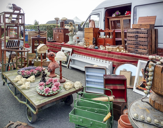 Sunbury Antiques Market at Kempton Park Race Course.
