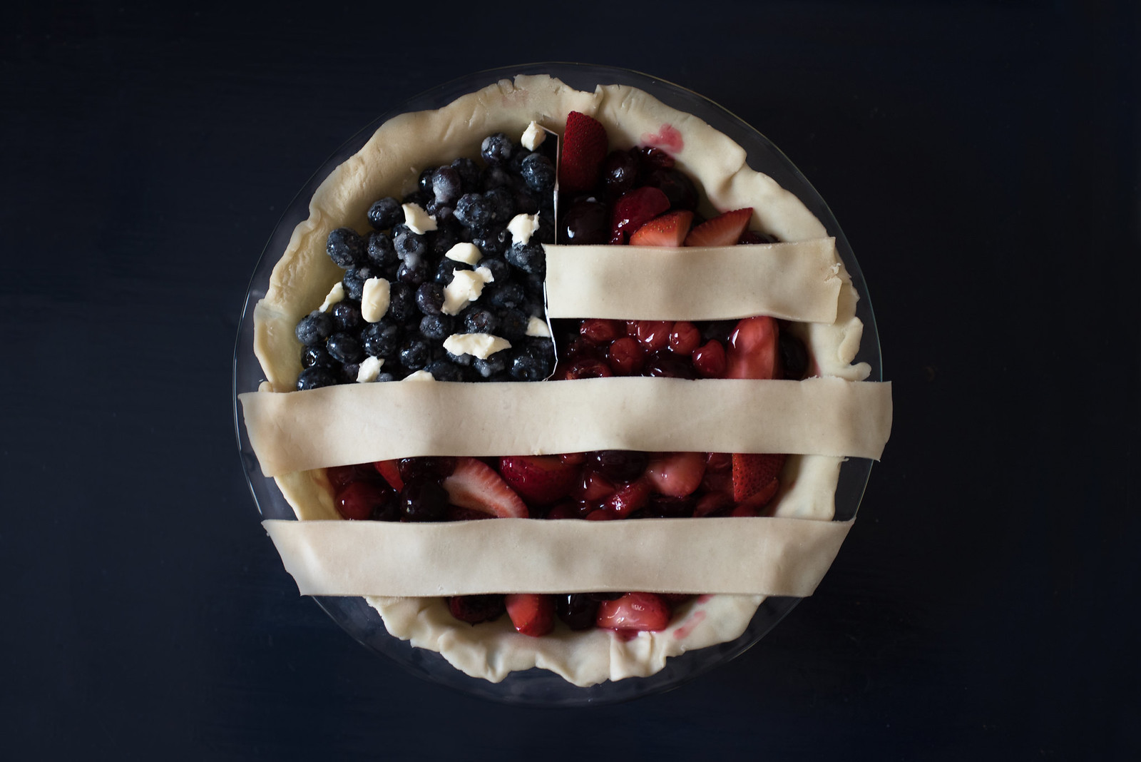 American Flag Berry Pie Recipe on juliettelaura.blogspot.com
