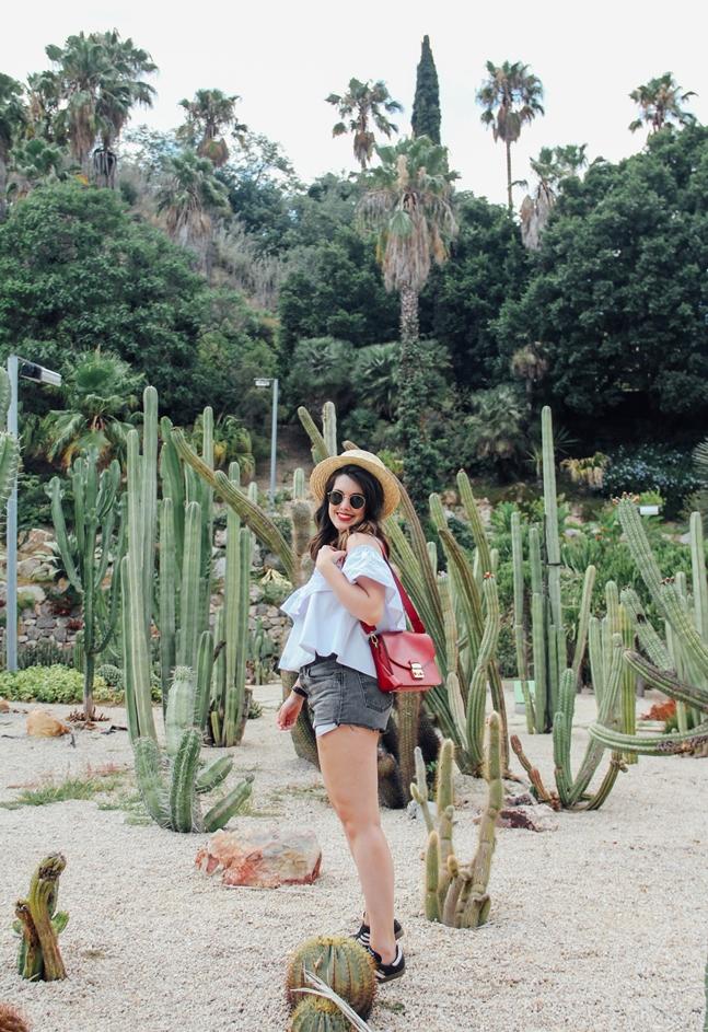 levis shorts look furla metropolis cactus barcelona montjuic mossen costa i llobera