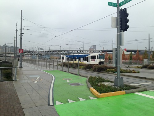 A (rare) single-car train heads north towards downtown Portland