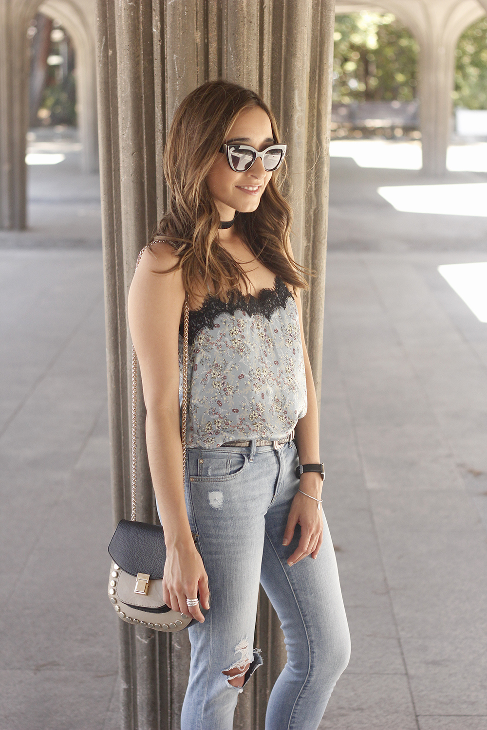 Lace top with skinny jeans heels summer outfit fashion style accesories06
