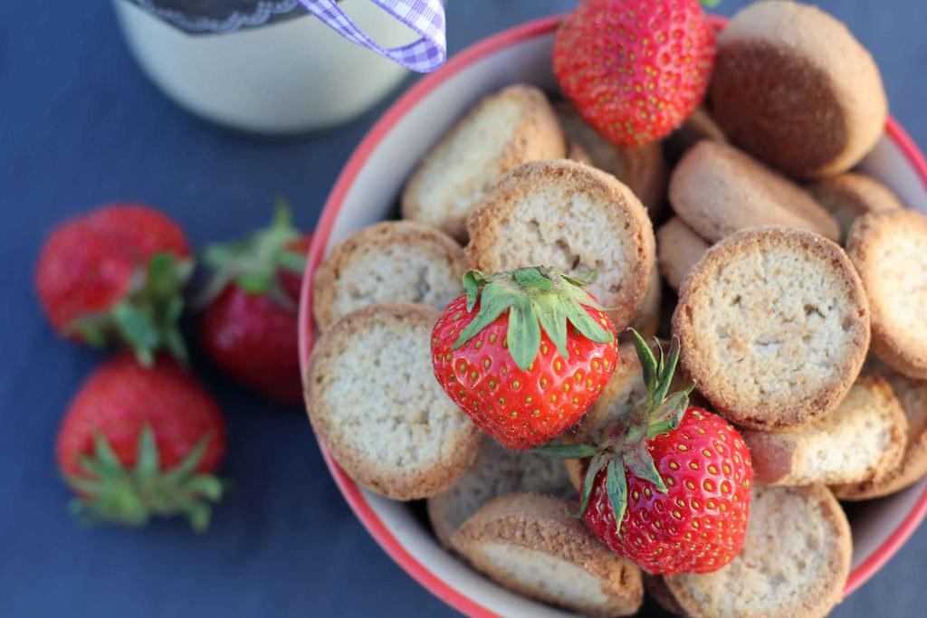Recipe for Homemade Danish Cold Buttermilk Soup (Koldskål)