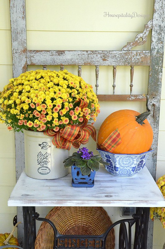 Vintage Screen Door - Fall Mums - Housepitality Designs