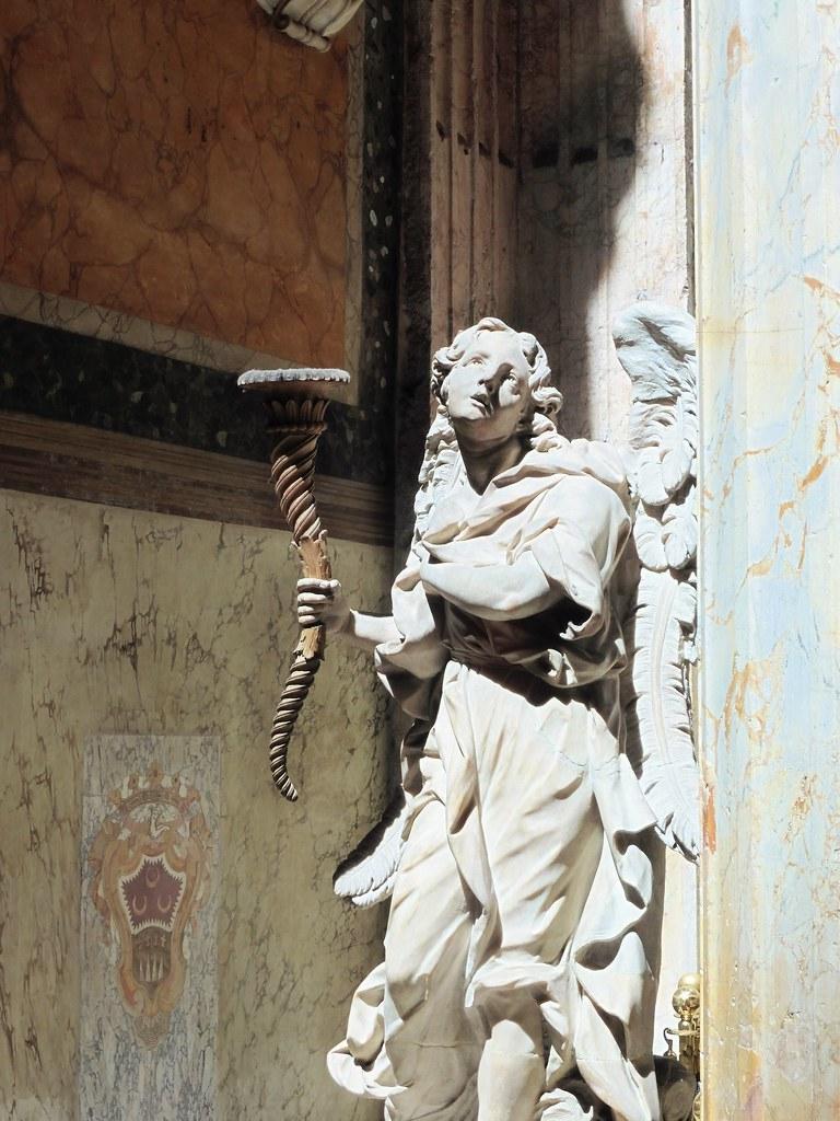 Pantheon Statue