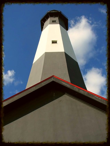 below-the-tybee-island-lighthouse