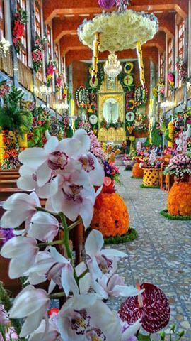 Arreglo floral del Templo Parroquial de Santa Ana Ixtlahuatzingo