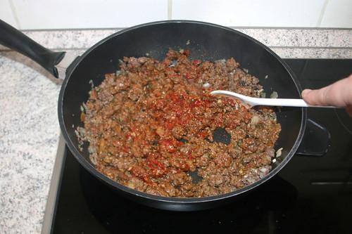 31 - Tomatenmark anrösten / Roast tomato puree