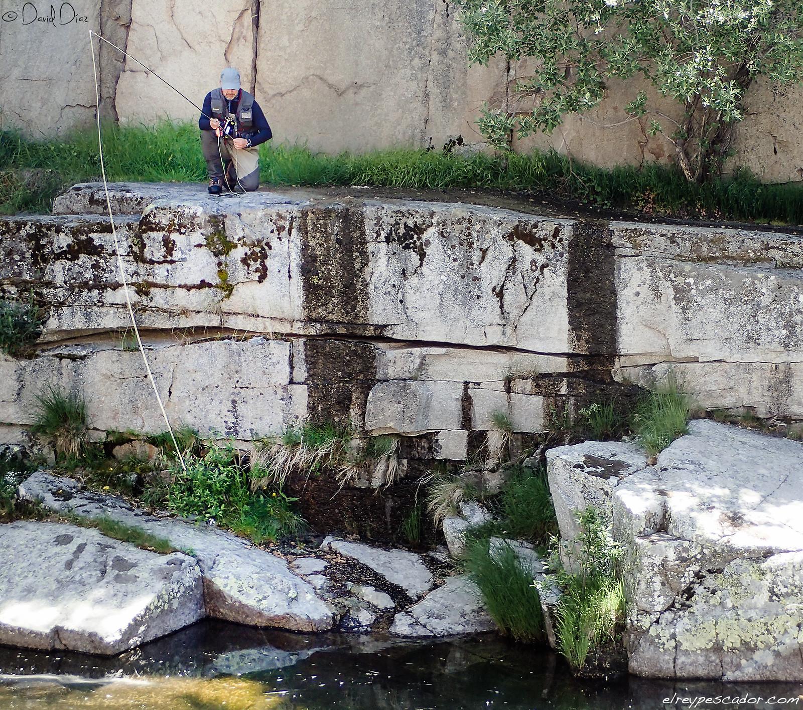 Pescando en el río - Coto de Barbellido (Avila) / Flyfishing