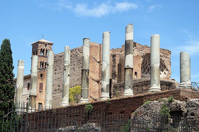 RomanForum4